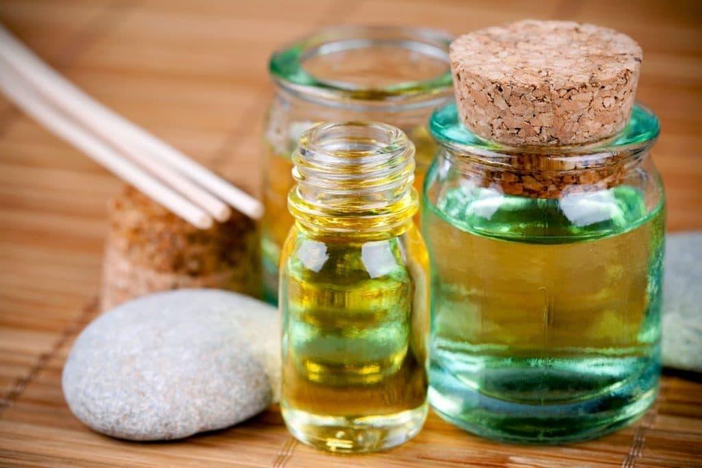 Эффективные эфирные масла против грибка ногтей
