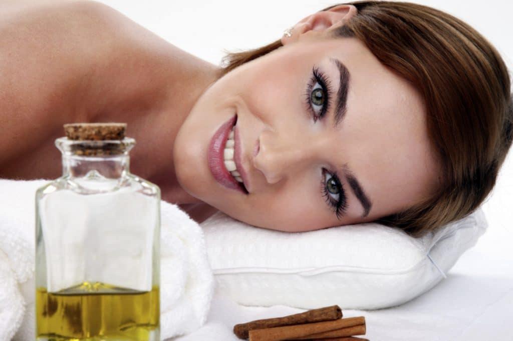 Эфирное масло иланг-иланг для лица