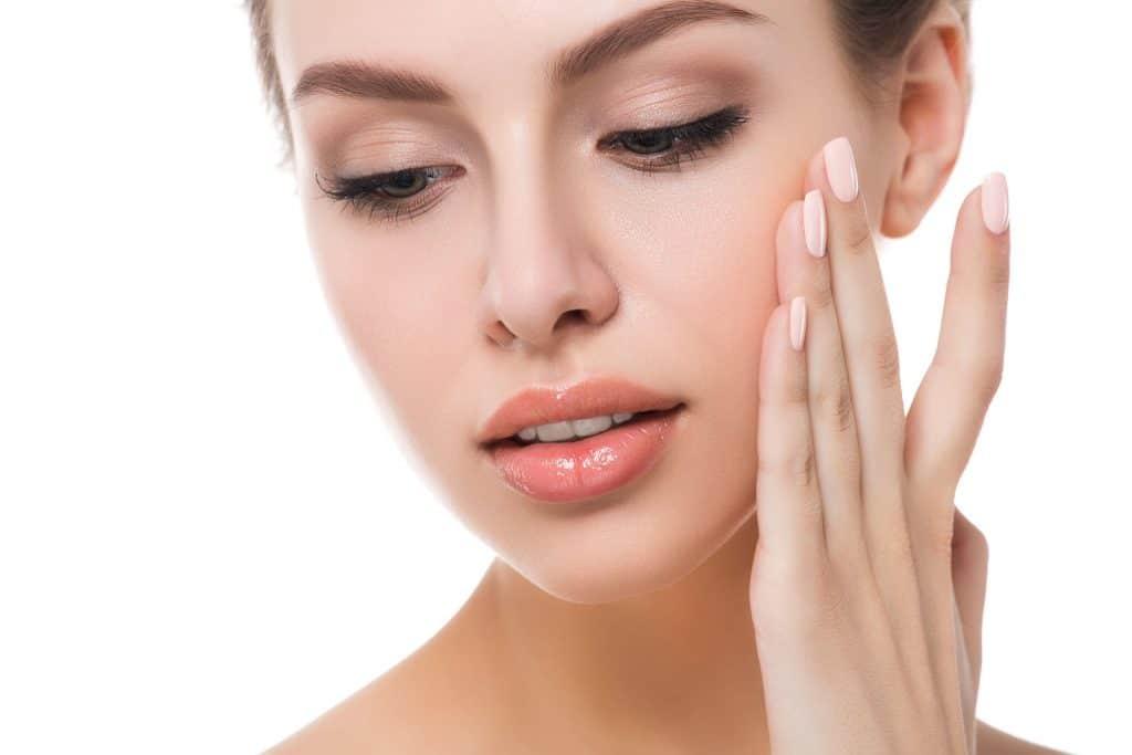 масла при расширенных порах на лице