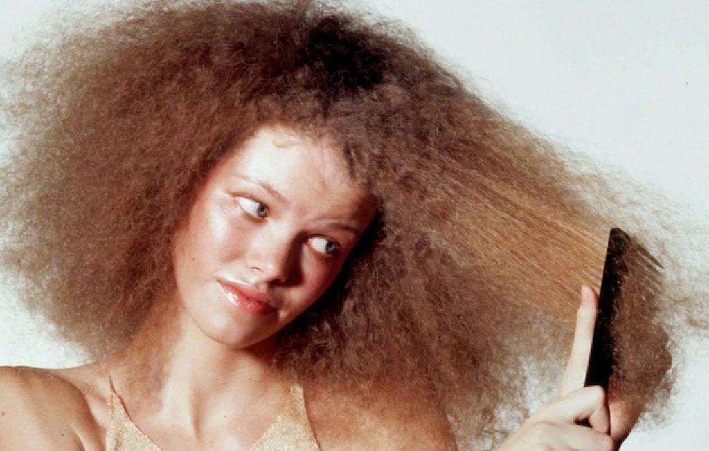 Испорченные завивкой волосы