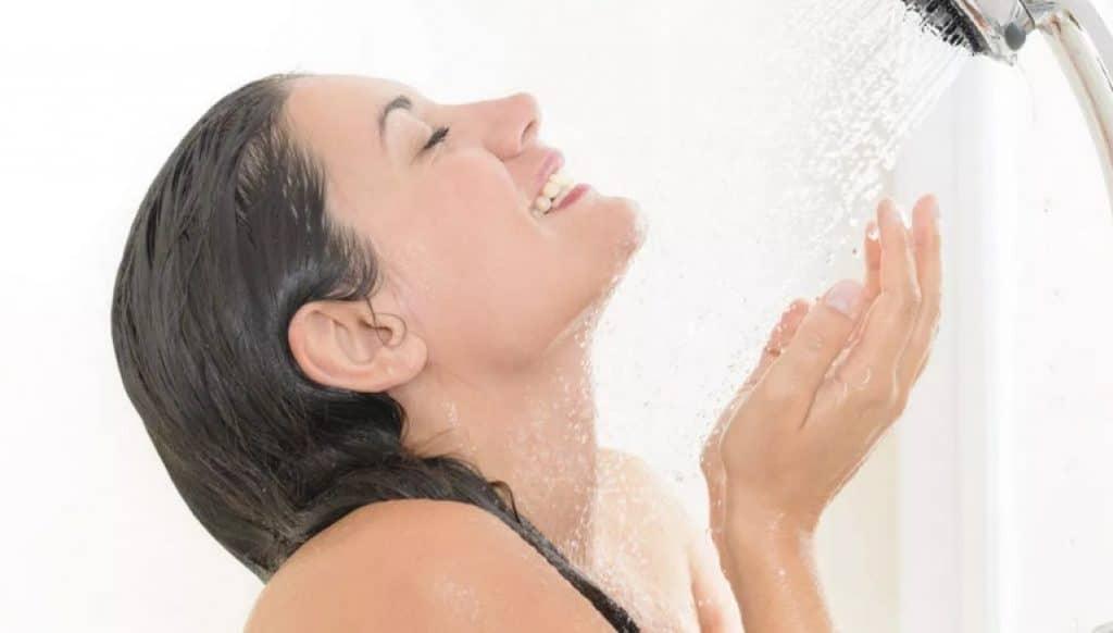 Водные процедуры душ